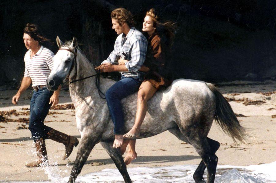 Richard Gere et CIndy Crawford réalisent une escapade en amoureux, en 1992