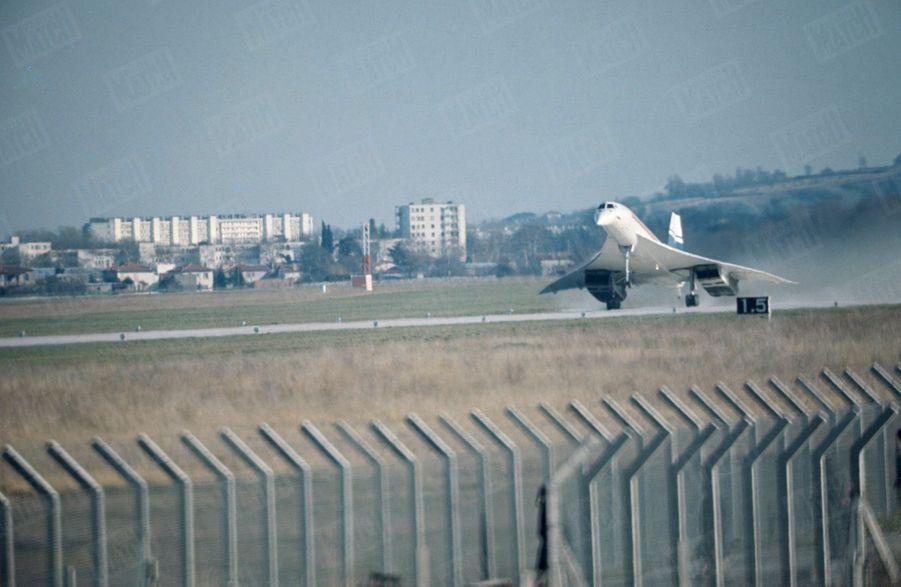 """""""Et soudain, Concorde devint un oiseau"""" -Paris Match n°1035, 8 mars 1969"""