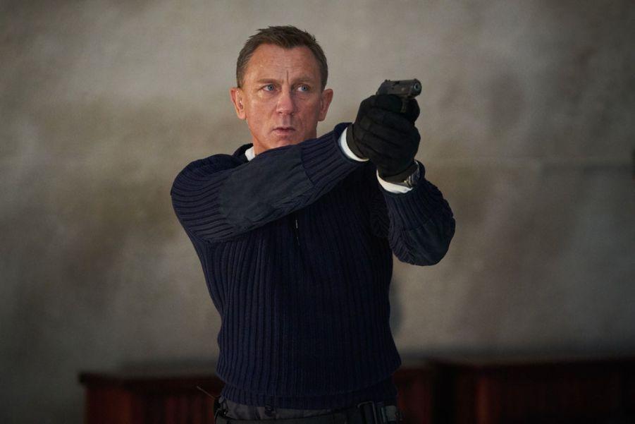 """""""Mourir peut attendre"""", le nouveau James Bond réalisé par Cary Joji Fukunaga avec Daniel Craig et Léa Seydoux, dont la sortie était prévue en avril, a été repoussé au 11 novembre 2020."""