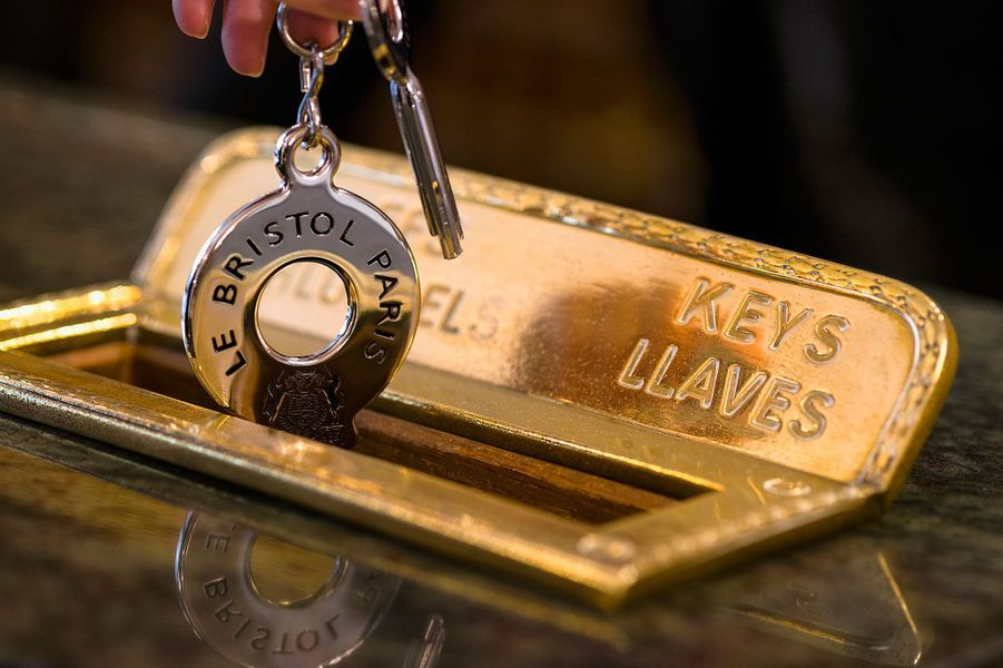 les clés du royaume ne vont jamais sans la case personnalisée du courrier ; pas de cartes magnétiques, noblesse oblige