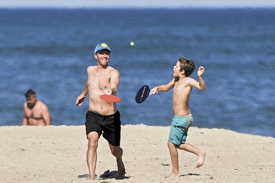 Chris Martin et Gwyneth Paltrow ont enterré la hache de guerre pour leur fils, Moses.