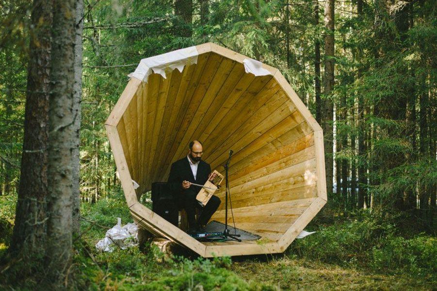 Des mégaphones pour écouter la forêt