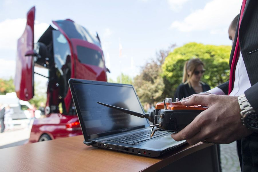 Des Turcs transforment une BMW en robot Transformers