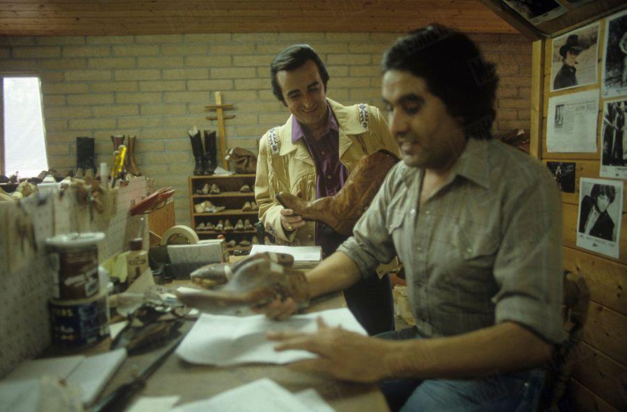 Dick Riversse fait faire des Santiags chezle fameux bottierPaul Bond, à Nogales en Arizona, aux Etats-Unis,en juillet 1987.