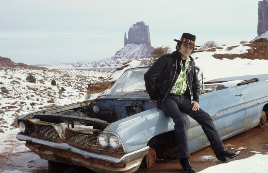 Dick Rivers devant Monument Valley, en Arizona, aux Etats-Unis, en décembre 1987.