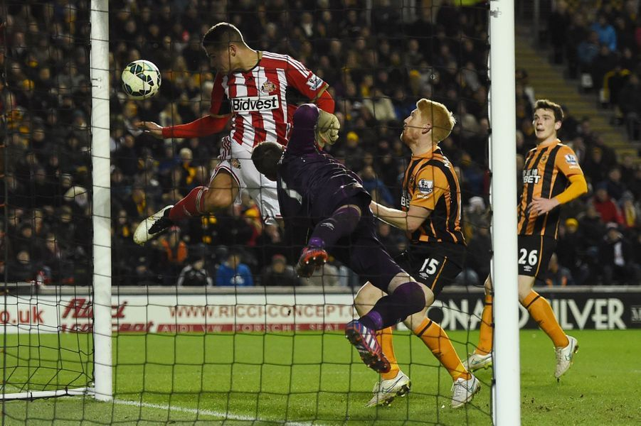 Quelques secondes avant un but de Jack Rodwell (Sunderland) face à Hull City, en championnat d'Angleterre.