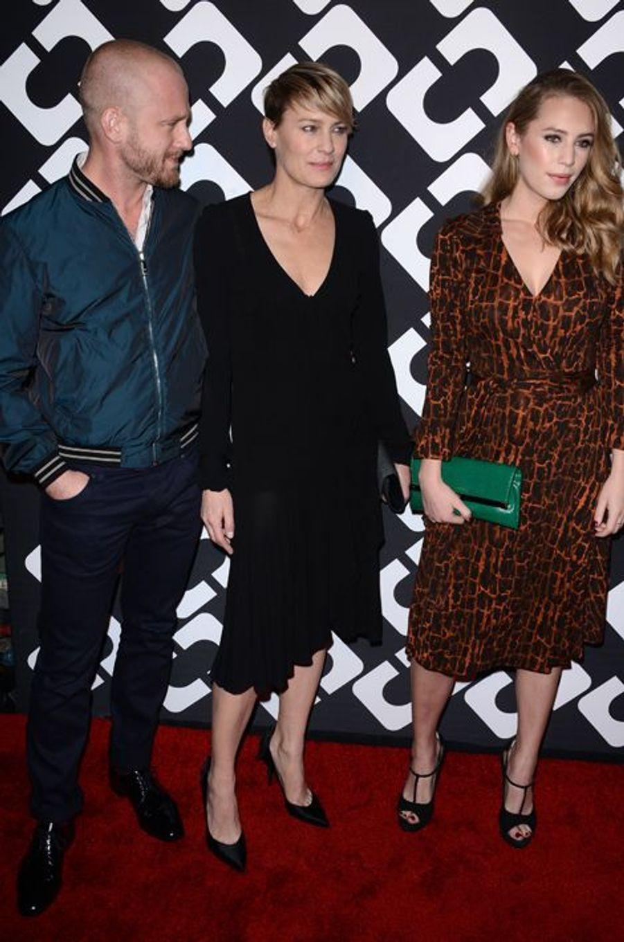 Avec sa mère et son fiancé Ben Foster