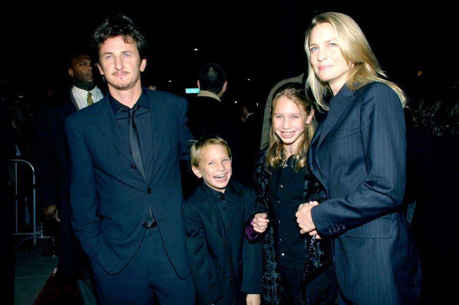 En 2001 avec ses parents et son frère Hopper