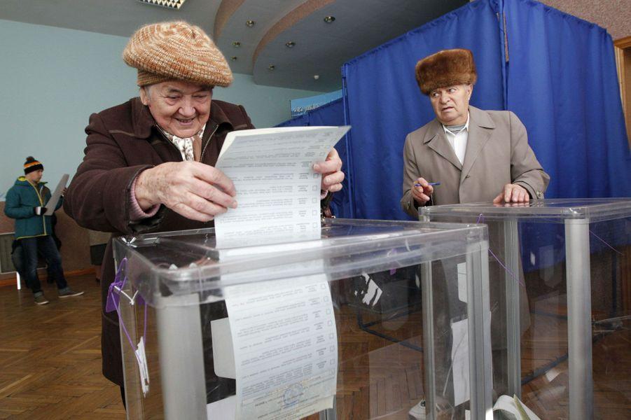 Un bureau de vote à Kiev.