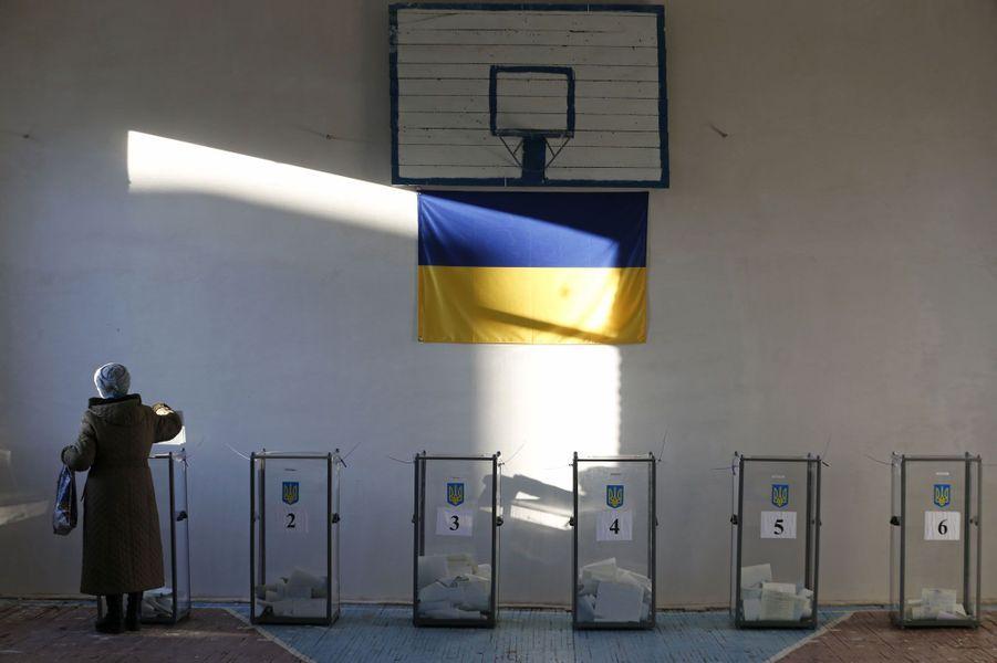 Un bureau de vote du village Semyonovka, près de Slaviansk,durement touché par les affrontements entre pro-russes etarmée ukrainienne.