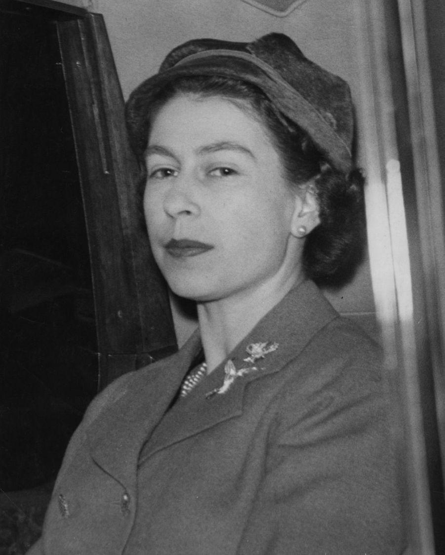 La reine Elizabeth II (mars 1957)