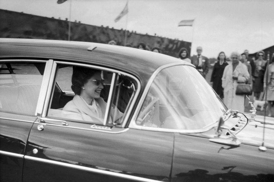 La reine Elizabeth II (1965)