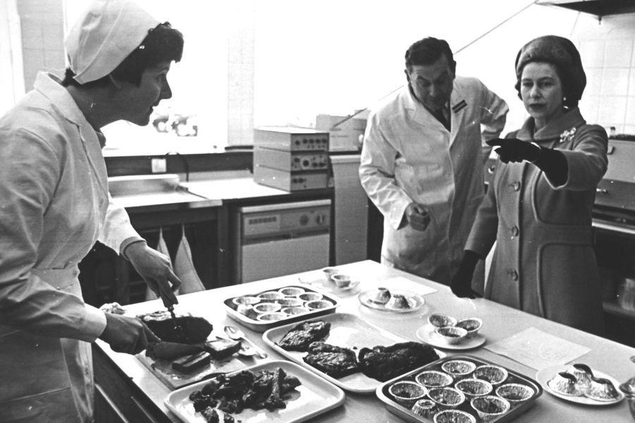 La reine Elizabeth II à Langford (avril 1968)