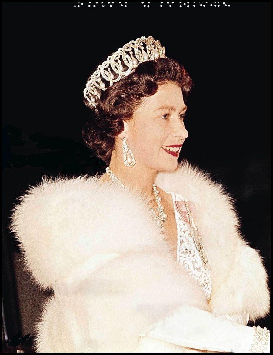 La reine Elizabeth II à Londres (1966)