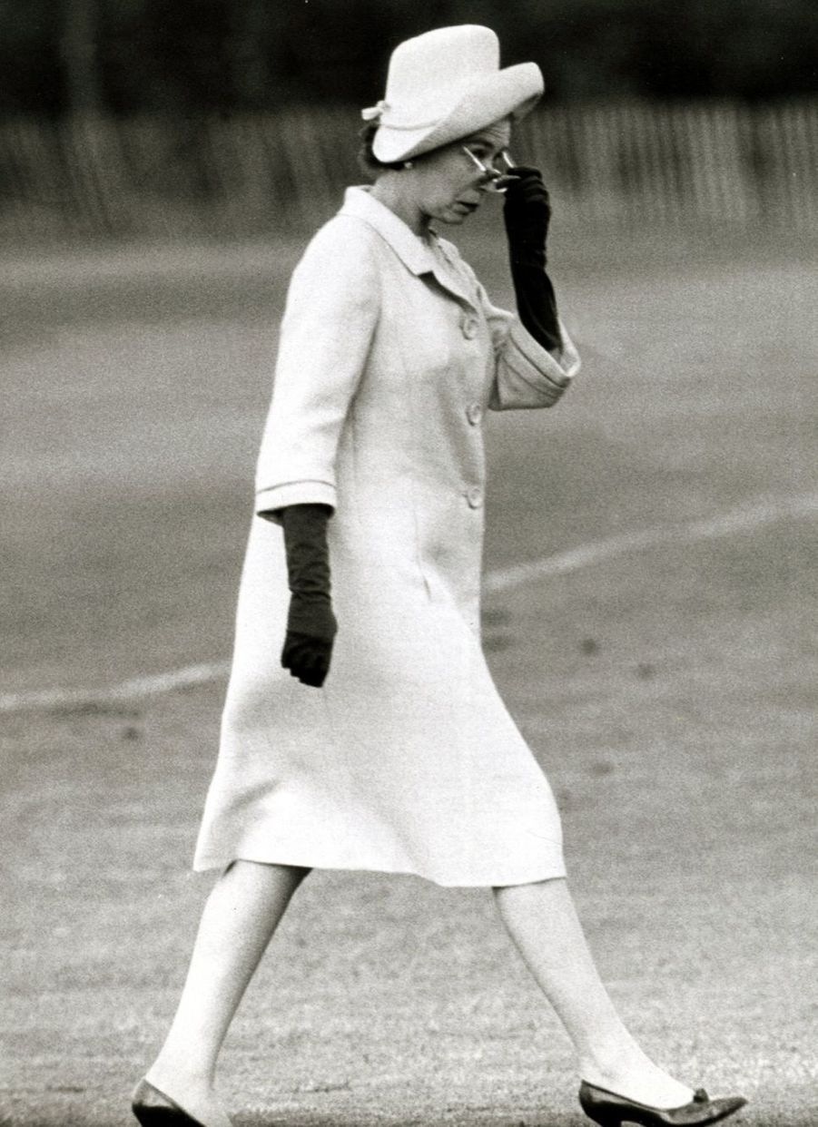 La reine Elizabeth II (juin 1965)