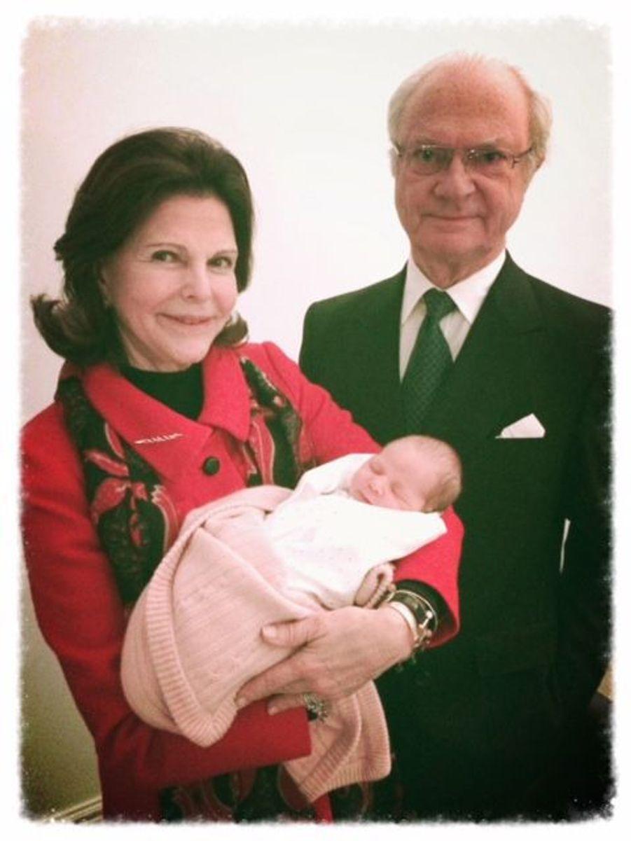 Les heureux grands-parents avec Leonore