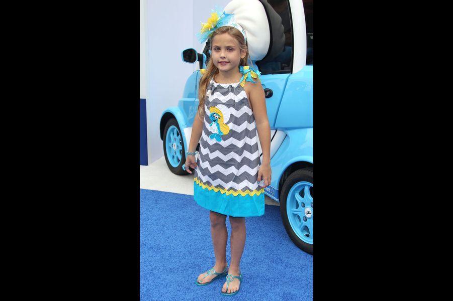 Suivant les pas de sa défunte mère Anna Nicole Smith, Dannielynn a posé pour la marque Guess en 2013.