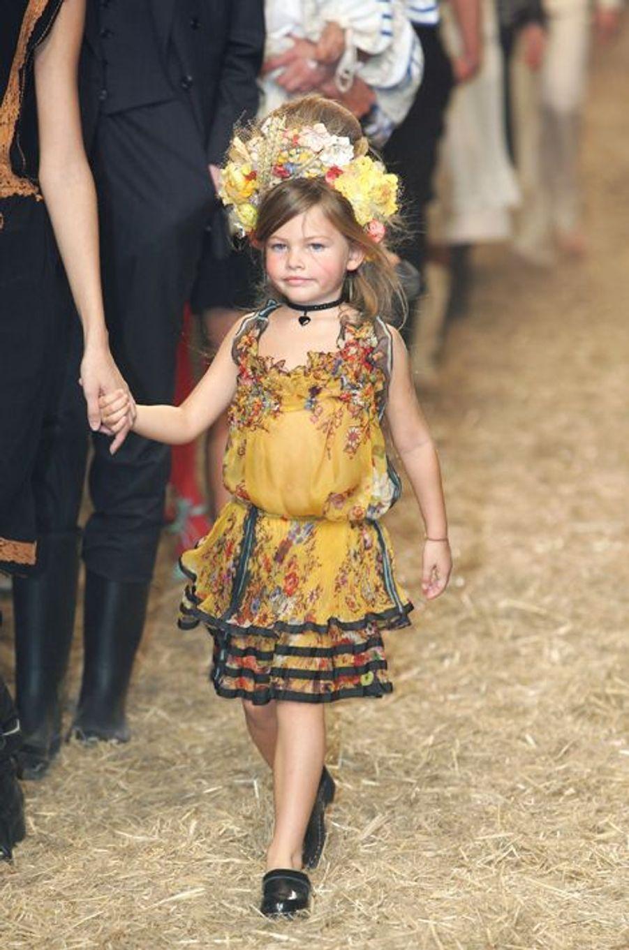 """La fille de l'animatrice Véronika Loubryavait fait polémique en posant, à seulement 10 ans, dans le magazine """"Vogue"""", maquillée et portant des vêtements d'adulte."""