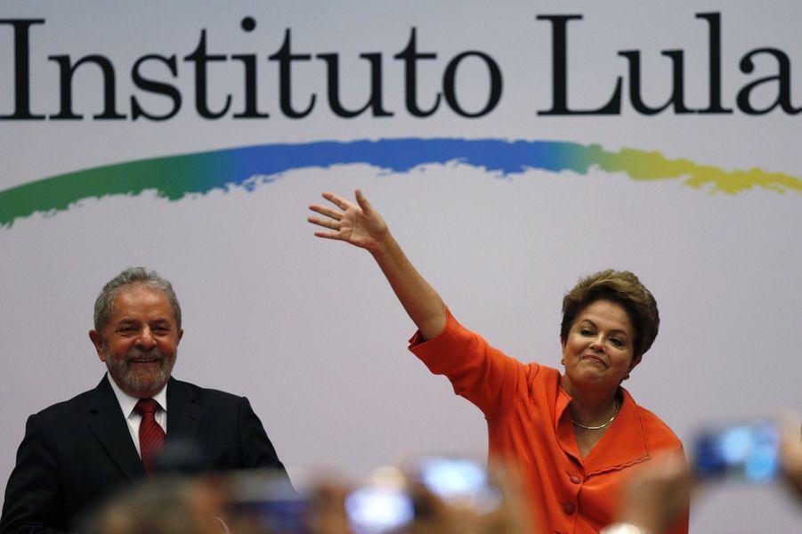 Apparition commune entre Dilma Rousseff et l'ancien président Luiz Inacio Lula da Silva