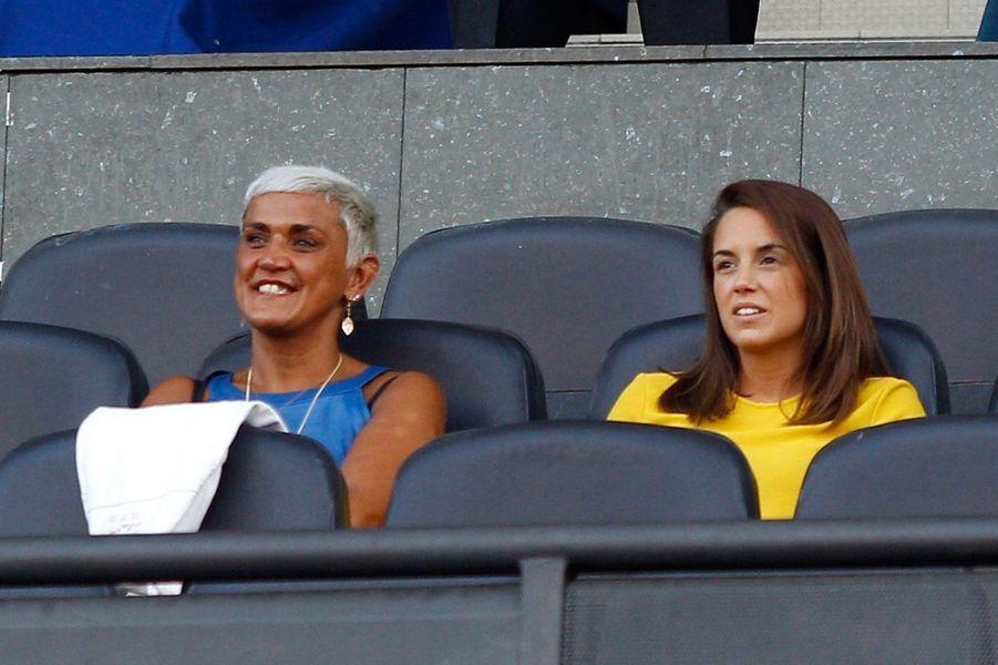 Erika Choperena et la mère d'Antoine Griezmann, Isabelle, en 2014 pour le transfertdu footballeur à l'Atletico Madrid