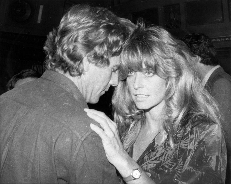 Farrah Fawcett et Ryan O'Neal en août 1980.