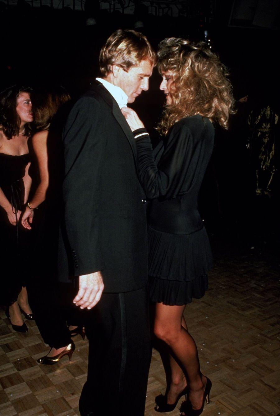 Farrah Fawcett et Ryan O'Neal en 1981.