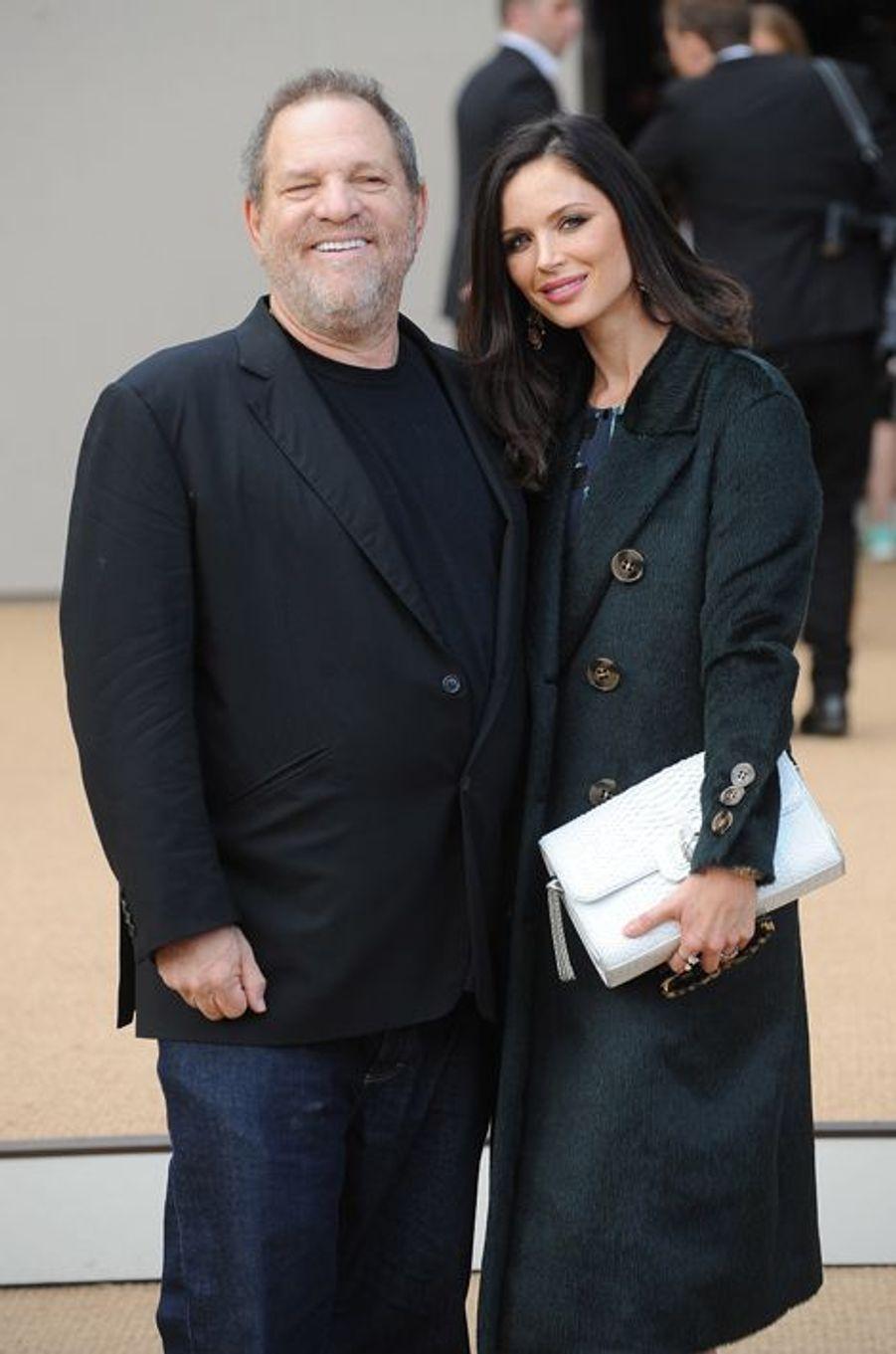 Harvey Weinstein et Georgina Chapman arrivent au défilé Burberry