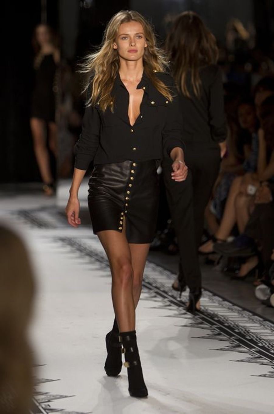 Défilé Versus, par Donatella Versace et Anthony Vaccarello