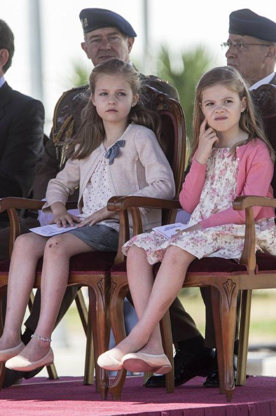 Les princesses Leonor et Sofia, en mai 2014