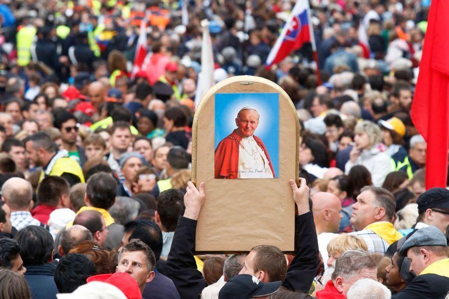 Jean-Paul II & Jean XXIII, nouveaux saints