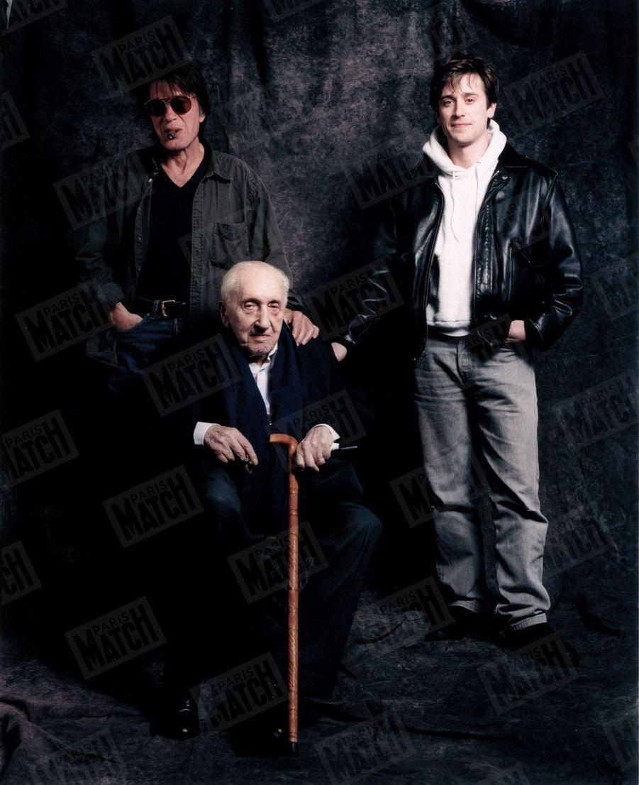 Jacques Dutronc, avec son père Pierre et son fils Thomas (non datée)