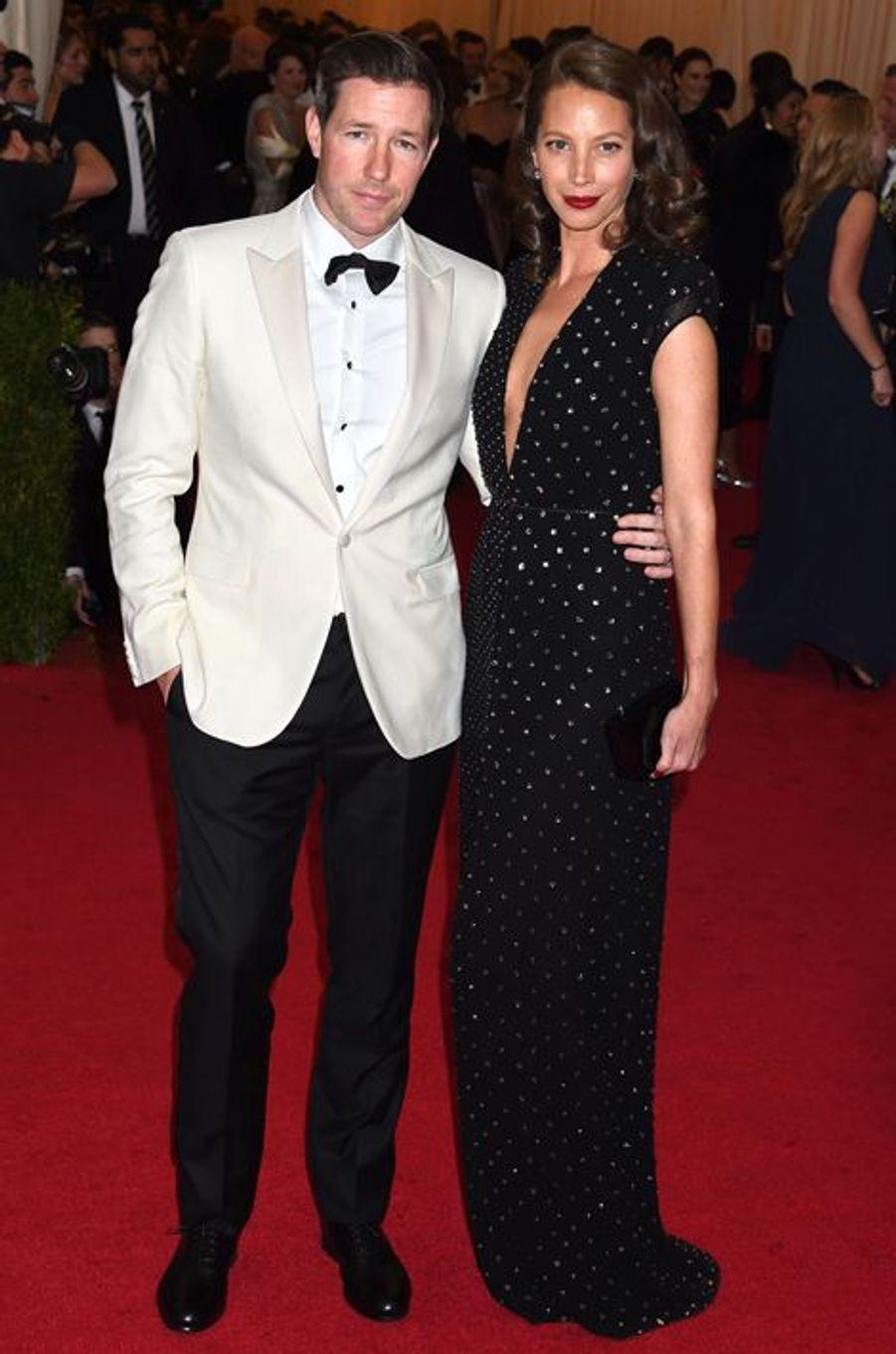 Ed Burns et Christy Turlington (en Calvin Klein)