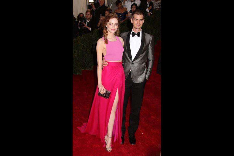 Emma Stone (en Thakoon) et Andrew Garfield