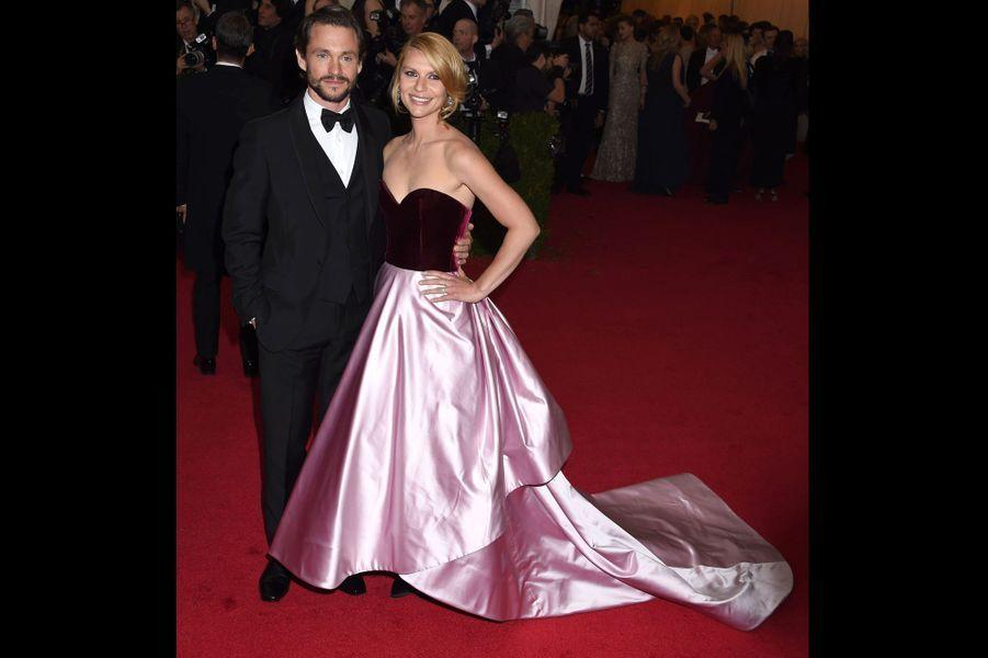 Hugh Dancy et Claire Danes (en Oscar de la Renta)