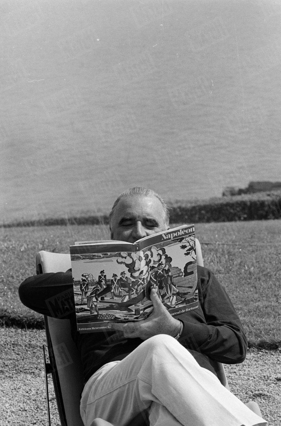 Georges Pompidou en vacances en Bretagne chez André Bettencourt et son épouse Liliane, en juillet 1969.