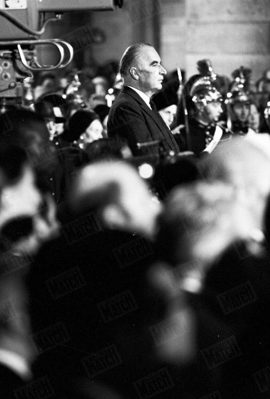 Le président Georges Pompidou, lors de la cérémonie pour le premier anniversaire de la mort de Charles de Gaulle, en novembre 1971.