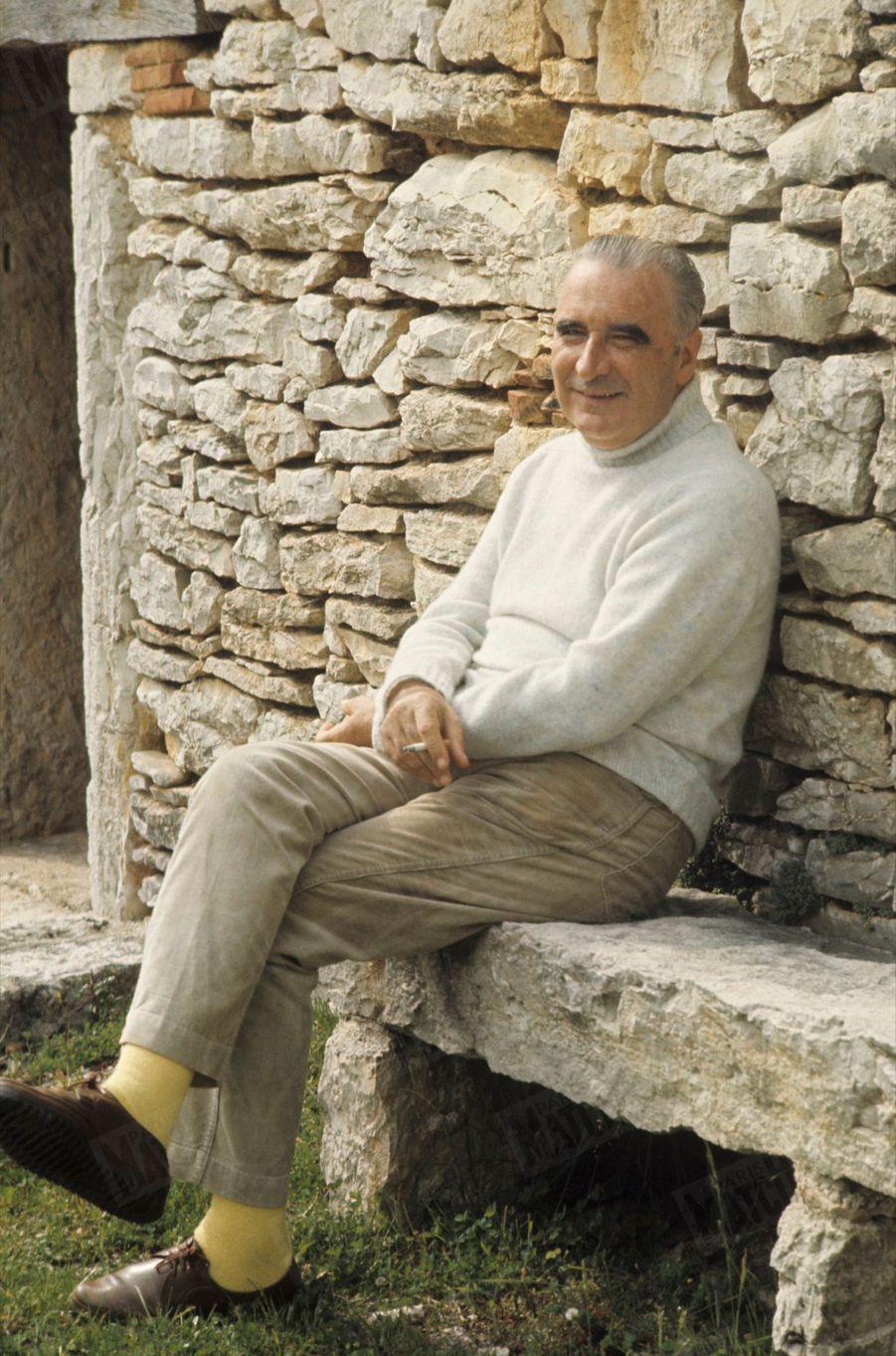 Georges Pompidou dans sa ferme de Cajarc, dans le Quercy, en mai 1969.