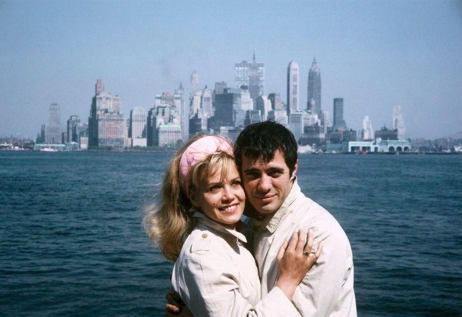Sophie Daumier et Guy Bedos à New York en septembre 1963.