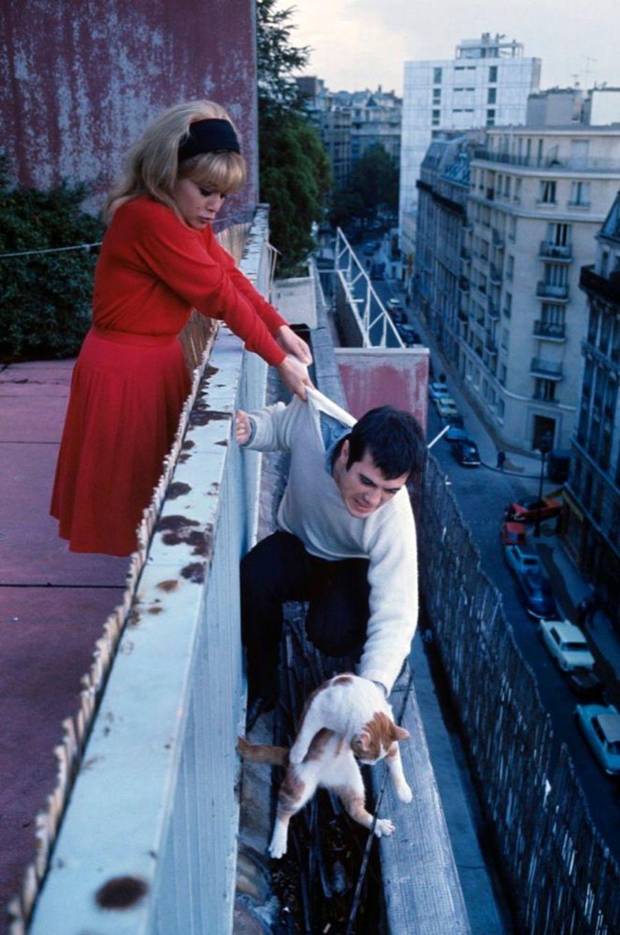 Guy Bedos et Sophie Daumier à Paris en octobre 1963.