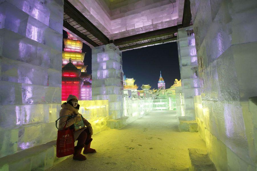 Les visiteurs peuvent aussi profiter de l'intérieur des sculptures.