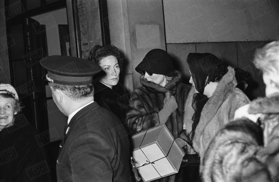 Michèle Morgan, lors des obsèques d'Henri Vidal, à Pontgibaud en Auvergne, le 12 décembre 1959.