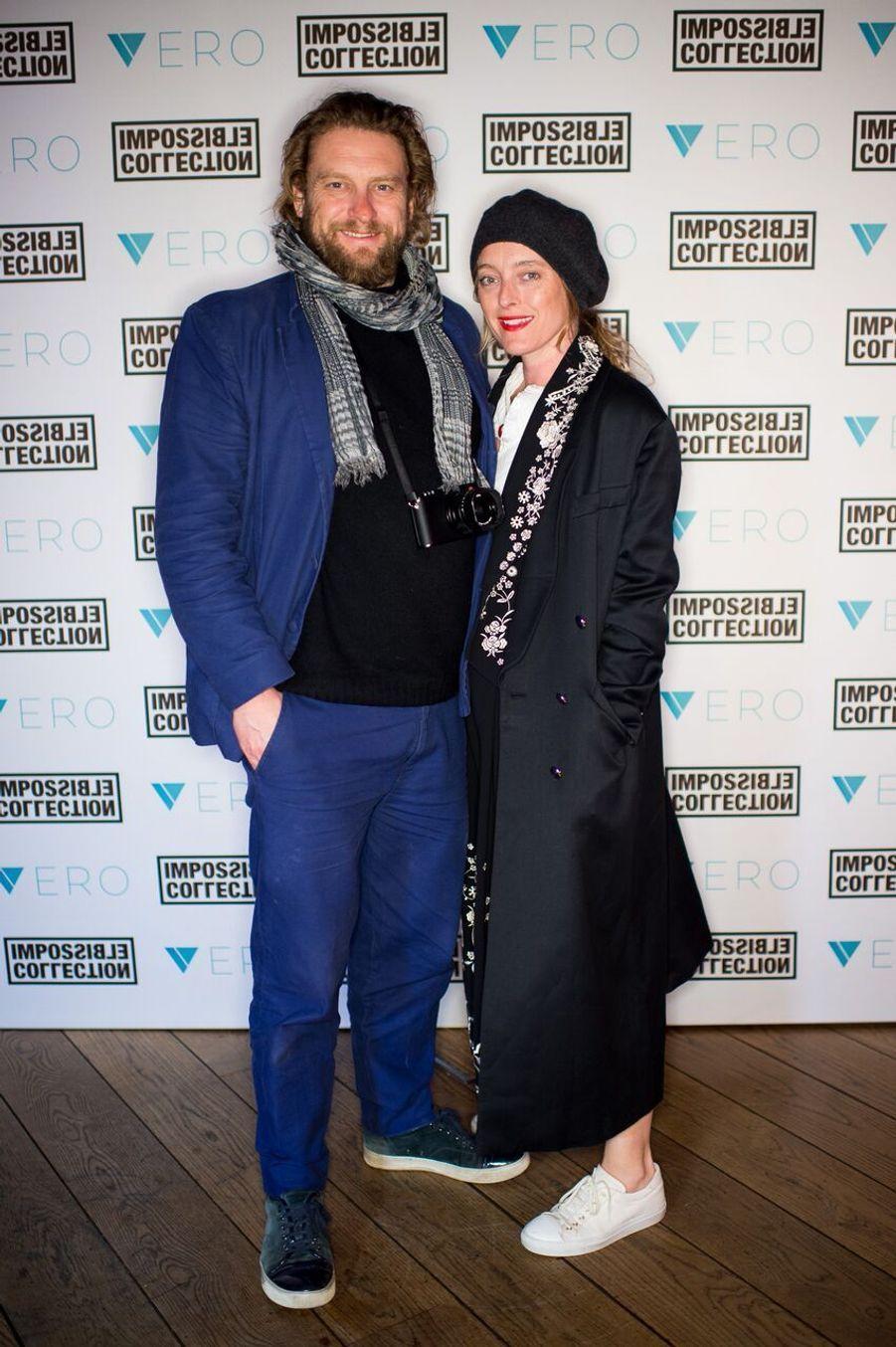 La designeuse Alice Temperley et son compagnon le photographe Greg Williams.