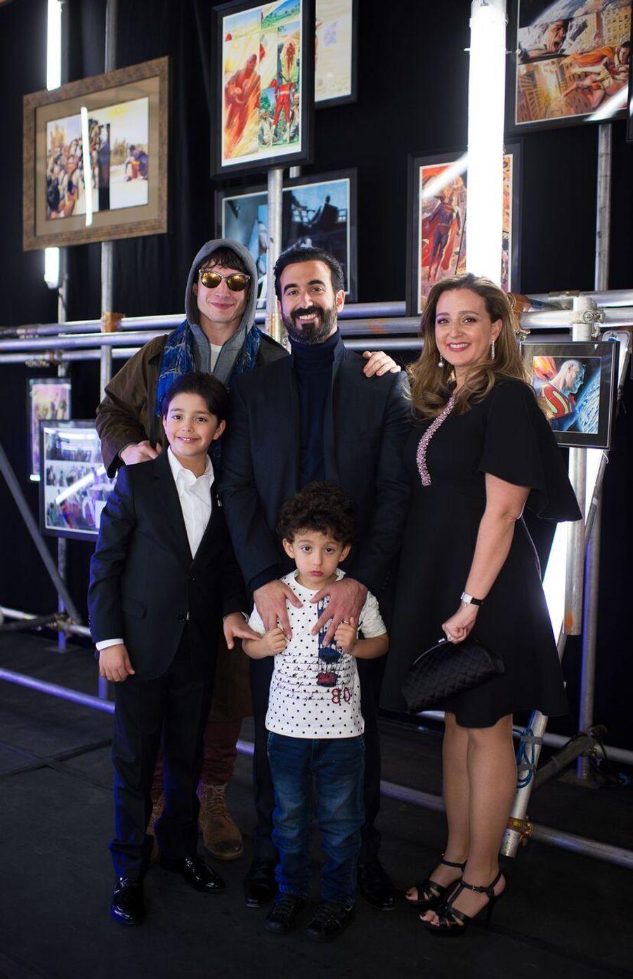 Ayman Hariri entouré de sa famille.