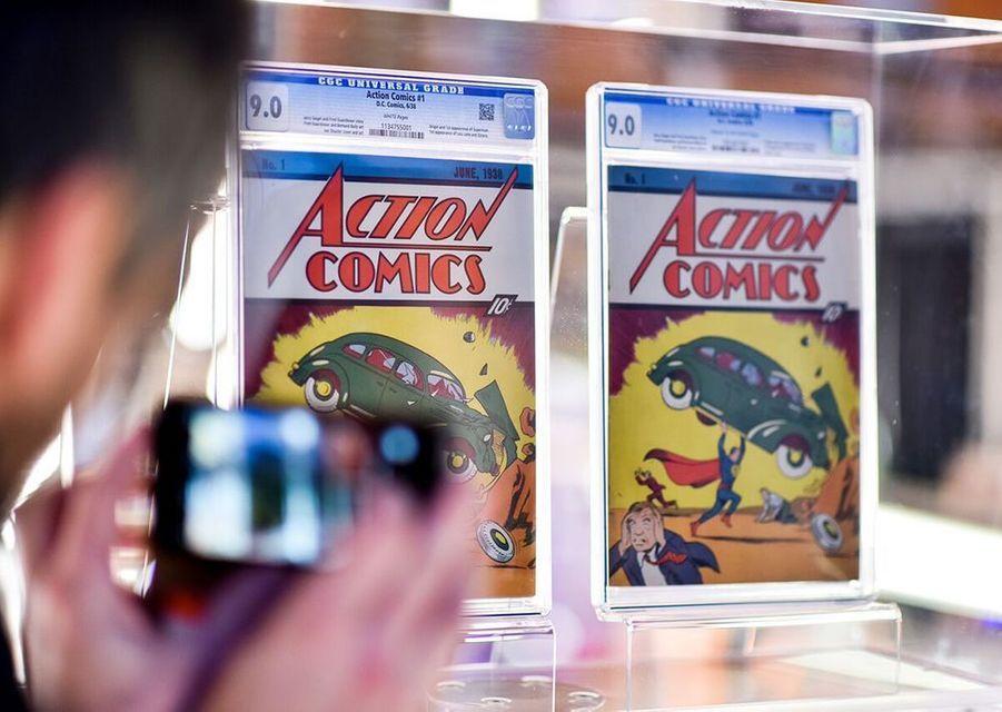 Clou de la collection, deux exemplaires du premier numéro des aventures de Superman paru en 1938.
