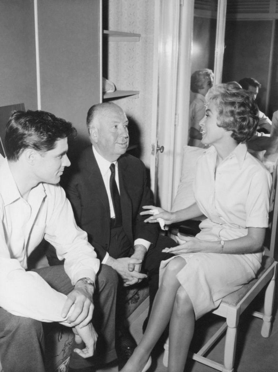 Janet Leigh, Alfred Hitchcock et John Gavin sur le tournage de « Psychose », en 1960.