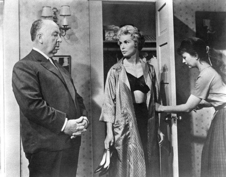 Alfred Hitchcock et Janet Leigh sur le tournage de « Psychose », en 1960.