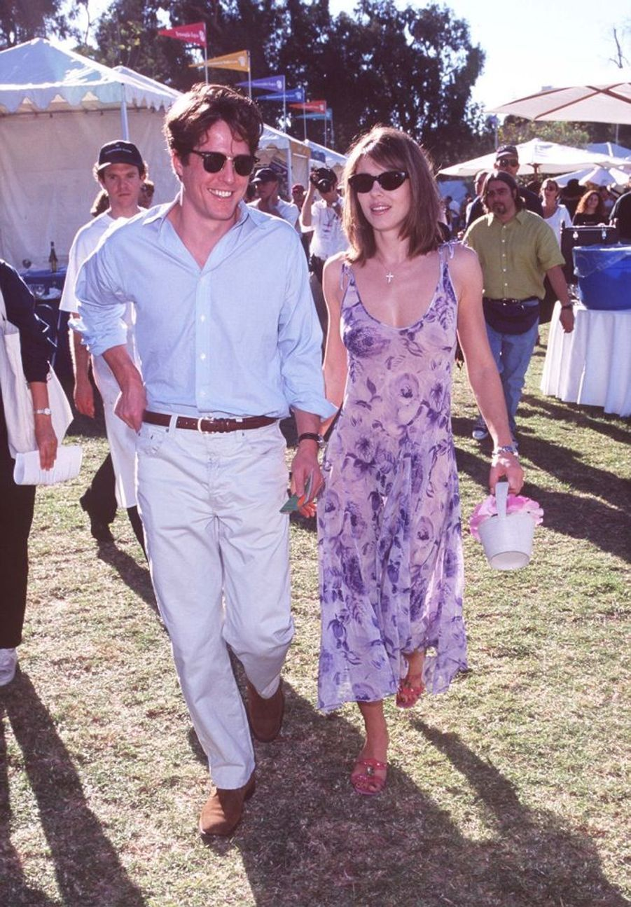 Elizabeth Hurley et Hugh Grant en novembre 1997.
