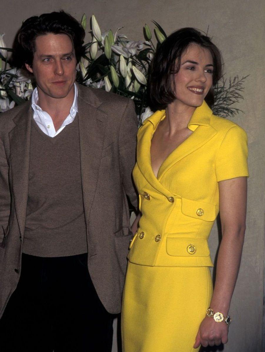 Elizabeth Hurley devient le visage de la marque Estée Lauder, en mars 1995.
