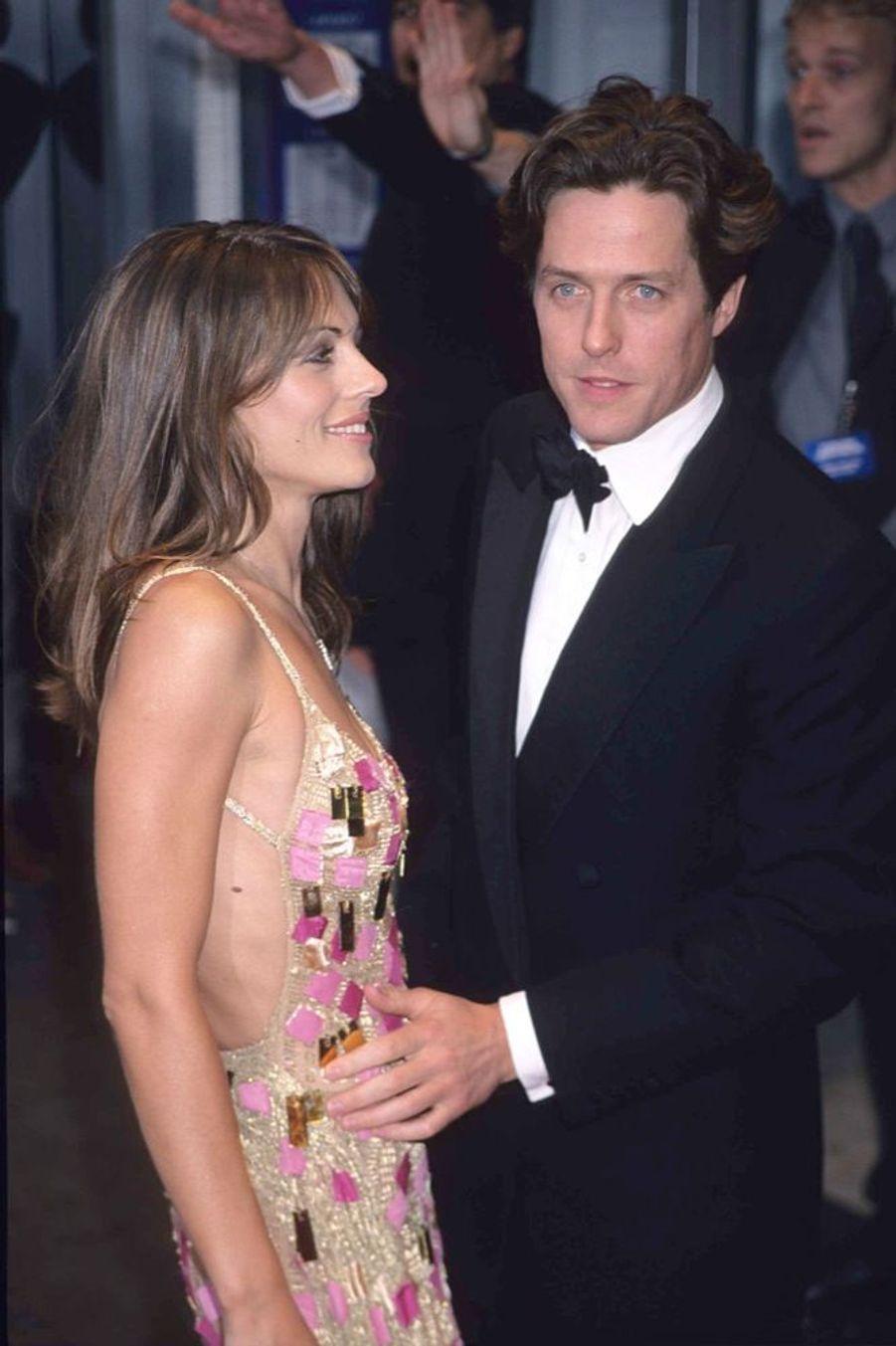 Elizabeth Hurley et Hugh Grant en mai 1998.