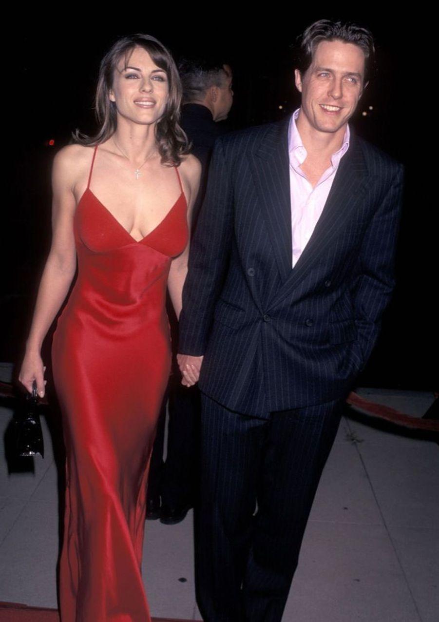 Elizabeth Hurley et Hugh Grant en septembre 1996.